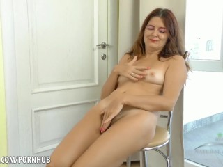 Pounding squirting pussy